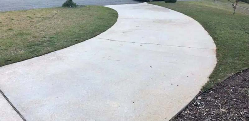 Sidewalks and Driveway Cleaning